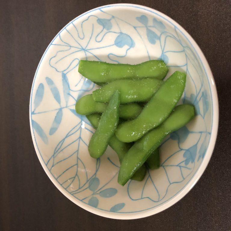 エダマメ(湯あがり娘)11週目。初収穫!やっぱり塩茹で美味しい